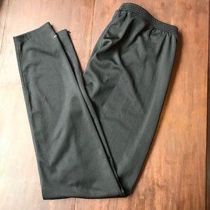 Eddie Bauer outdoor tec fabric leggings